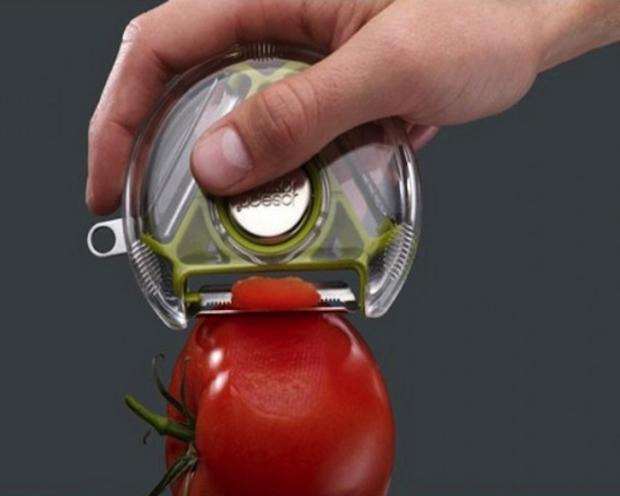 Gọt vỏ cà chua