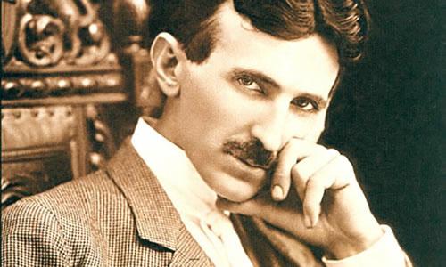 Nhà phát minh, nhà vật lý học, kỹ sư cơ khí và là kỹ sư điện tử Nikola Tesla (1856-1943)