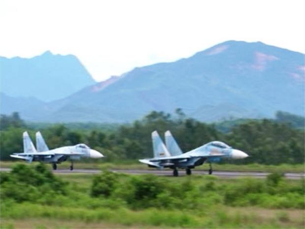 Tiêm kích Su-27S được trang bị radar N001 nâng cấp, radar cho Su-27 trải qua khá nhiều lần nâng cấp với các biến thể khác nhau N001V, N001VE và cuối cùng là N001VEP. Các loại radar này cũng được trang bị cho một số biến thể xuất khẩu của Su-30MK.