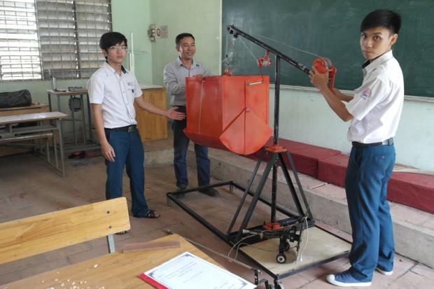 Hệ thống hút bùn đoạt giải nhì cuộc thi sáng tạo kỹ thuật toàn quốc - Ảnh: Thanh Đức