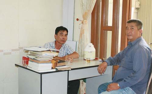 Lương y Nguyễn Tấn Đức ( bìa trái )