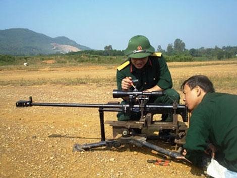 Súng bắn tỉa hạng nặng 12,7mm được phát triển dựa trên súng bắn tỉa KSVK của Nga với một số cải tiến phù hợp với điều kiện sử dụng tại Việt Nam.