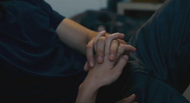 Dù tình yêu có lớn đến mấy cũng chẳng tháng nổi thời gian, 1 năm xa nhau, tình cảm đã dần nhạt nhòa. Dù thế nào đi nữa, chúng tôi đã chẳng tiếp tục cùng nhau đi tiếp con đường kia.