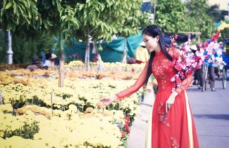 Nét đẹp chợ hoa xuân ở TP Vĩnh Long ngày tết.